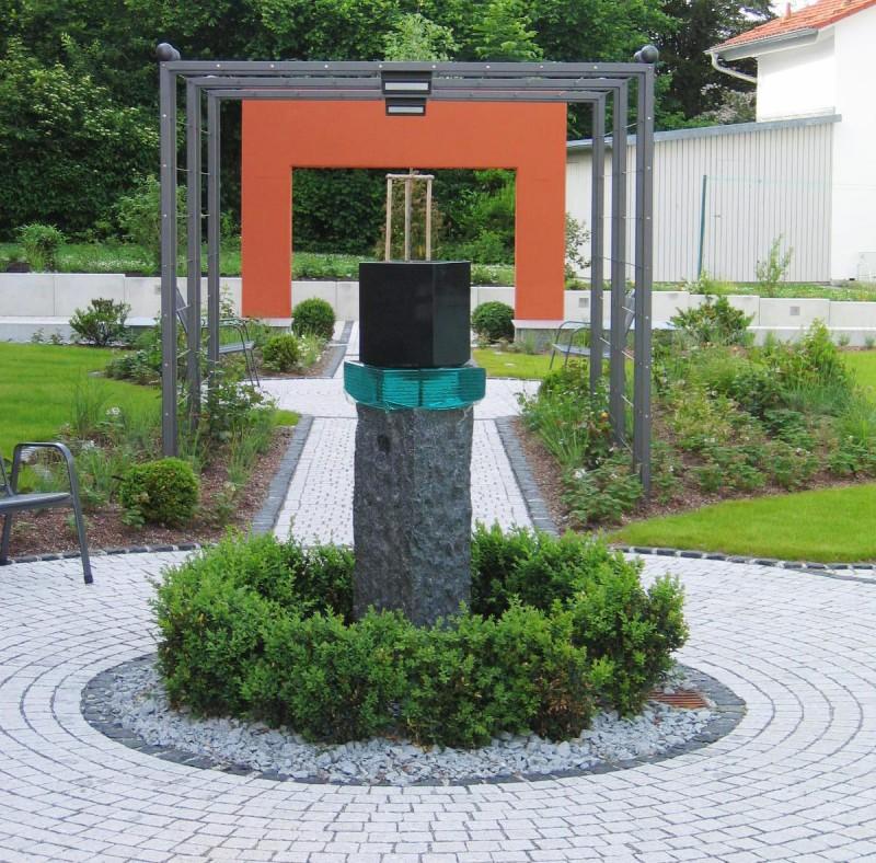 Steinbrunnen Aus Naturstein Für Garten Und Zimmer Steinmetz
