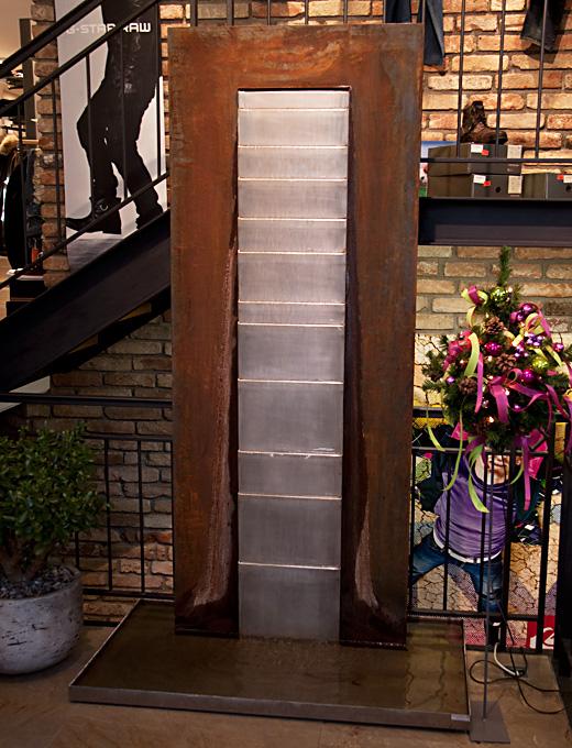 steinbrunnen zimmerbrunnen gartenbrunnen bildergalerie. Black Bedroom Furniture Sets. Home Design Ideas